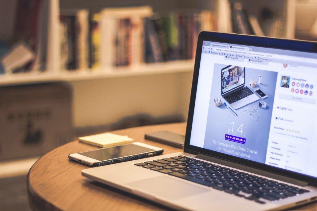 Ga je jouw website laten bouwen of zelf aan de slag? Deze keuzehulp gaat je helpen kiezen