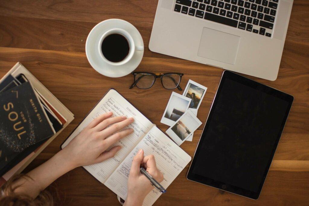 Met een affiliate website kun je schrijven over je eigen favoriete onderwerp(en) en daar geld mee verdienen
